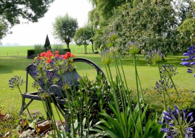 Romantische tuin in Oosterblokker